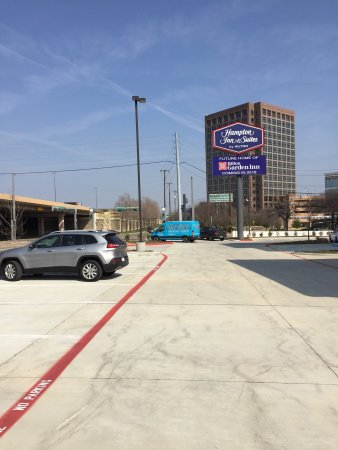Hampton Inn & Suites Dallas - Central Expy North Park Area