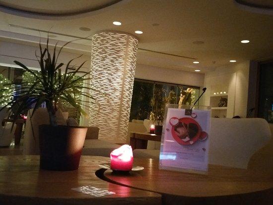 Alasia Hotel: 20170210_203330_large.jpg