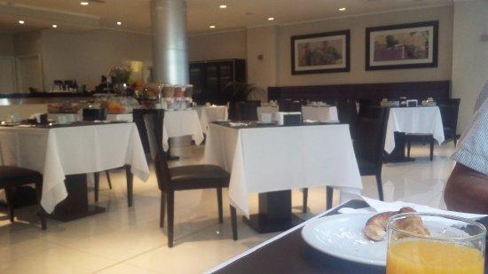 """Neuquen Tower Hotel: """"Un lindo espacio para desayunar"""""""