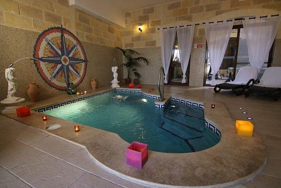 Jacuzzi indoor  Heated indoor pool with Jacuzzi - Picture of Gozo A Prescindere ...