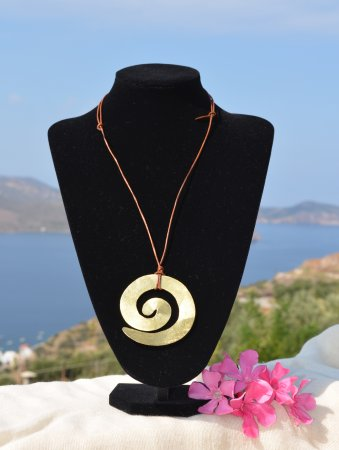"Tripiti, Grekland: Hand made neclace ""Spiral"""