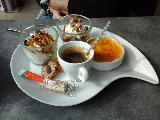 Caf gourmand picture of au vieux port le lavandou tripadvisor - Restaurant le lavandou port ...