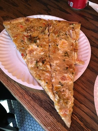 pizza displays - Picture of Artichoke Pizza, New York City ...