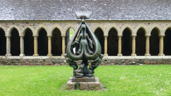 Iona Abbey And Nunnery Sculpture In
