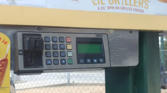 Fulton, MS: Broken card reader
