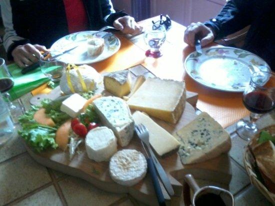Durtal, Fransa: le plateau de fromages