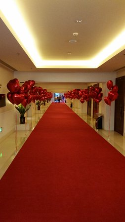 Ledong County, Cina: Corridor by the function rooms