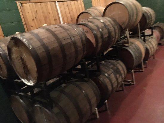 Shawnee on Delaware, بنسيلفانيا: aging barrels