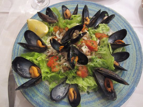 La Scogliera: мидии в салате очень хороши