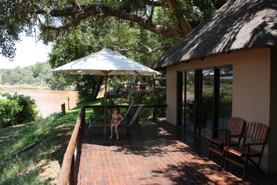 Naledi Bushcamp and Enkoveni Camp: Fishing owl suite - view from the terrace