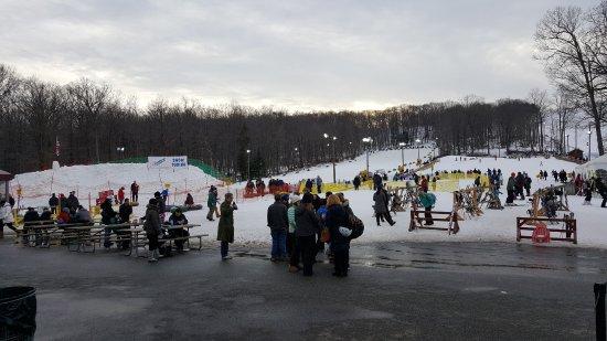 Mahwah, NJ: Snow Tubing