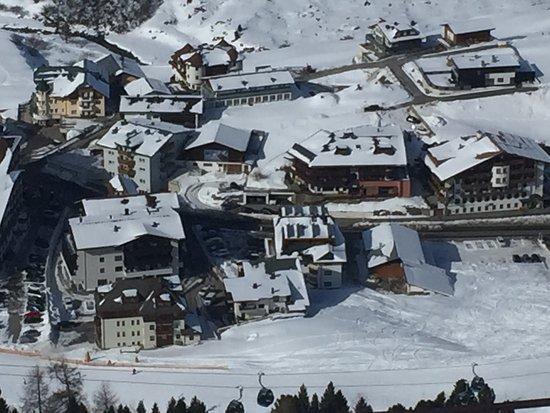 Chalet Christophorus: Chalet is the bottom left building & next to nursery slope