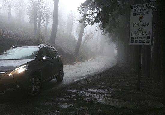 Ojen, Spain: Entorno impresionante incluso en dias de lluvia