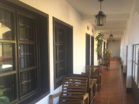 Hotel Zaculeu: Pasillo primer piso