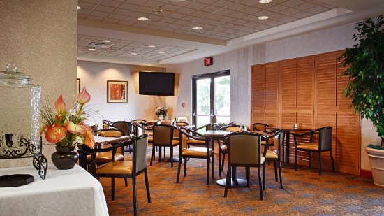 Best Western Regency Plaza Hotel - St. Paul East: Complimentary Hot Breakfast Buffet