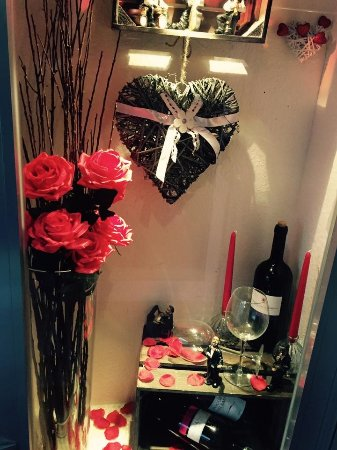 Hilden, Germany: Valentinstag Deko