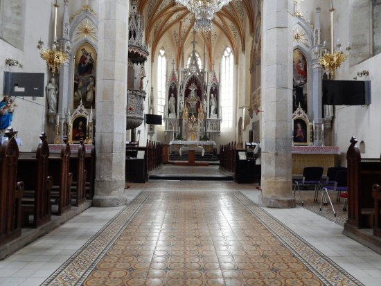Sentrupert, Eslovenia: from nave to the main altar