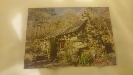 Capel Curig, UK: Ty Hyll / Ugly House 2017. :)
