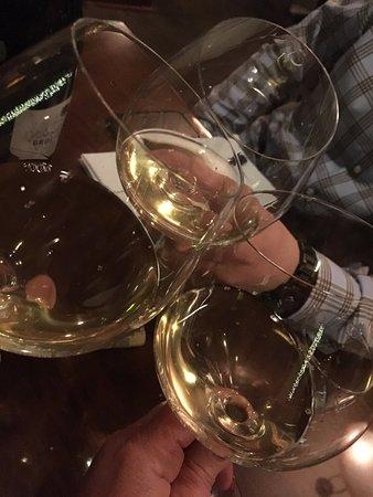 Davis, Καλιφόρνια: Cheers - corkage fee $15