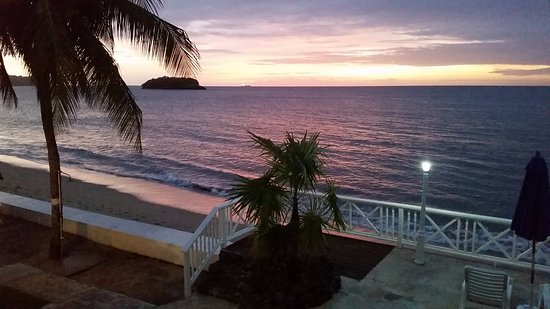 Villa Beach Cottages: The view from our 2nd floor balcony