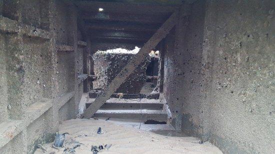 Arromanches-les-Bains, Frankrike: Remains Mulberry Harbour