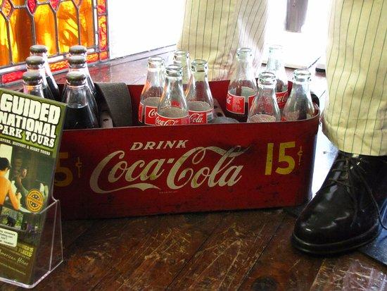 Soda Pops : Antique bottles