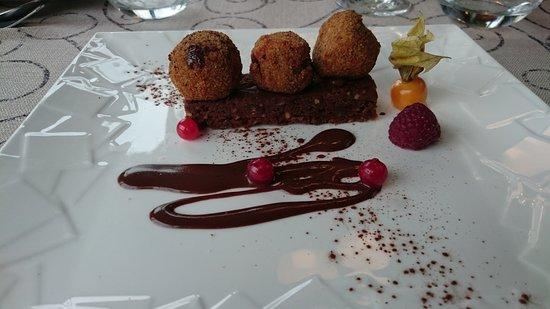 Samatan, Francia: Dessert sur le thème du chocolat.