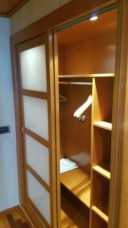 trama Polémico Proverbio  Armario: fotografía de AC Hotel Gran Canaria, Las Palmas de Gran Canaria -  Tripadvisor
