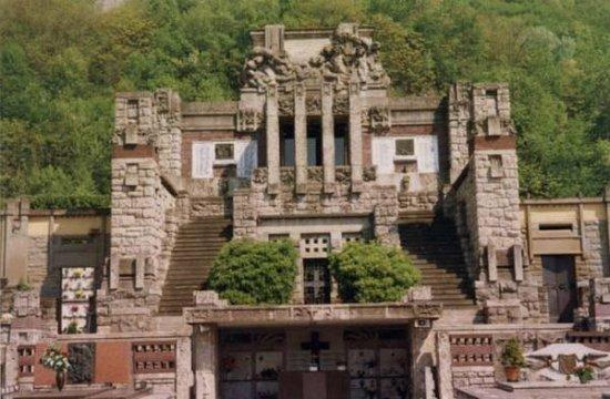 Сарнико, Италия: Mausoleo Faccanoni di Sarnico