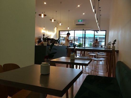 Subiaco, Australië: Great little vibrant cafe' good coffee, lovely staff and a fresh clean place to sit in the morni