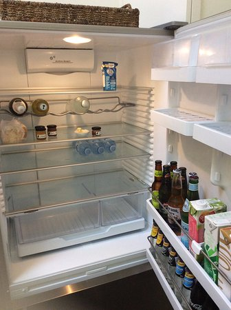 Arajilla Retreat - Lord Howe Island: Blue Peter - lightly stocked fridge
