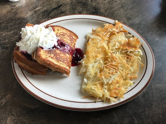 Coram, MT: Today I found my new favorite  breakfast! French toast stuffed with a huckleberry cream cheese a