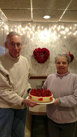 Michaels Restaurant Cheese Cake Winner And A 90th Birthday Party Always Fun At