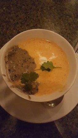 Rookery Pub Fine Dining: Yin Yang Soup