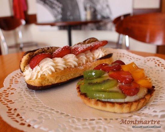 Nerang, Australien: Cream eclair and fruit tart