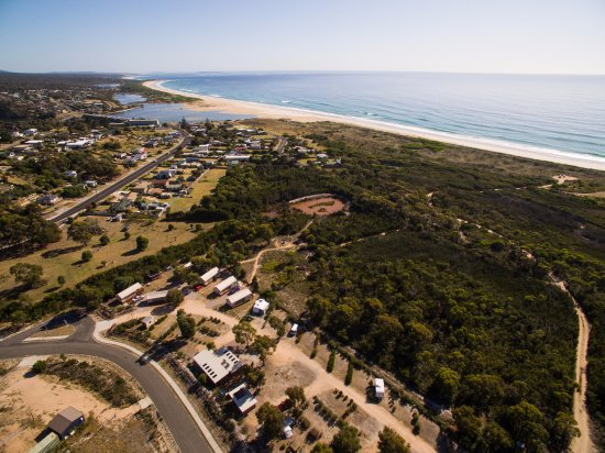Scamander accommodation with private beach and nature reserve access