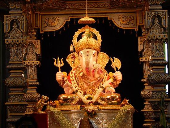 Dagadu Sheth Ganapati Picture Of Dagadusheth Halwai Ganapati