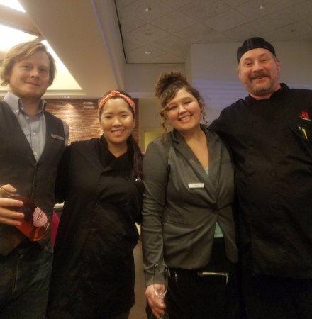 Minnetonka, MN: Our staff for a great dinner!