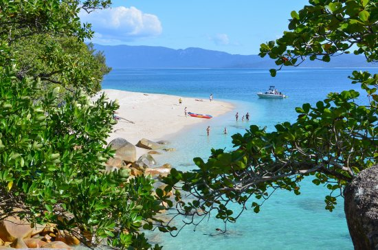 Trinity Beach, Australia: Book your trip to Fitzroy Island with us - 5% off tour prices if you do!