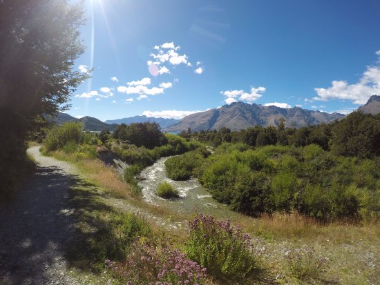 Canyoning Queenstown: Trail heading into the canyon