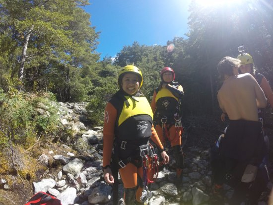 Canyoning Queenstown: Safety briefing with guides