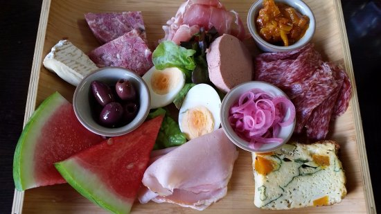 Bellingen, ออสเตรเลีย: the Ploughman! eat it. crazy cheap for what you get.