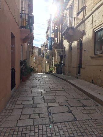 Birgu (Vittoriosa), Malta: Streets of Birgu