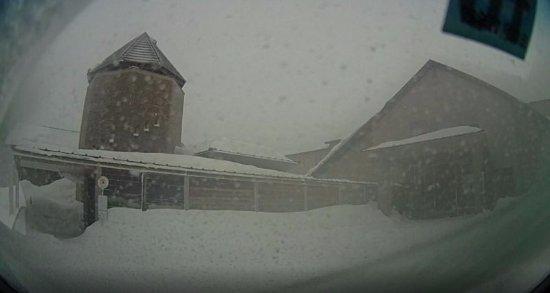 Kitashiobara-mura, Japon : かなり雪が降っていたんから建物撮れなかったのでドライブレコーダーの画像を取り出した。