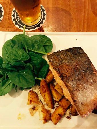 Waitara, Австралия: Salmon special