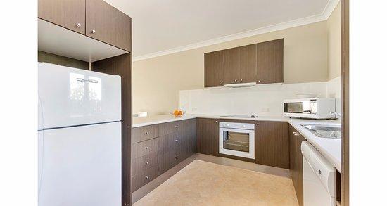 Warwick, Australia: 2 Bedroom Apartment with full kitchen