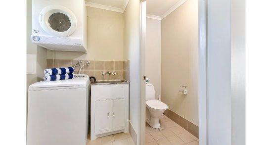 Warwick, Australia: 2 Bedroom Apartment with laundry facilities