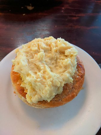 Meldrum's Pies In Paradise: Steak pie + mashed potatoes