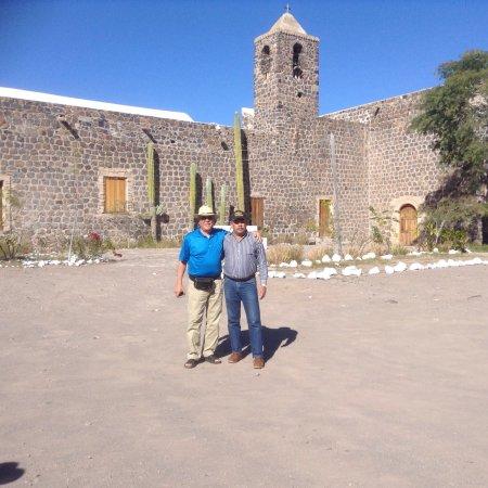 Mission Santa Rosalia de Mulege: Misión de Santa rosalia de mulege una misión muy bonita y muy bien conservada solo que por dentr