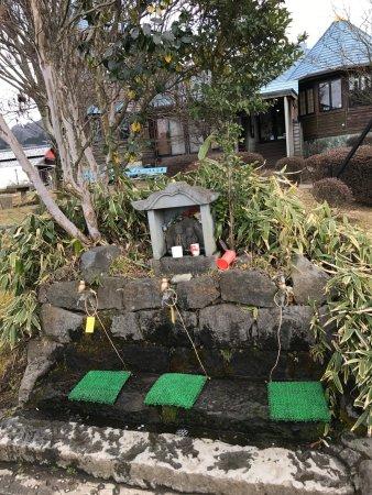 Takamori-machi, ญี่ปุ่น: トンネル上の採水場その①